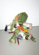Food-scientist Coraline Barends researched and trained babies into eating vegetables i an earlier stage, so that they profit from it when they grow up and thus enjoy vegetables more. I exaggerated the aim and message of this article, by overloading a kid (my kid) with vegetables into a temporary sculpture.